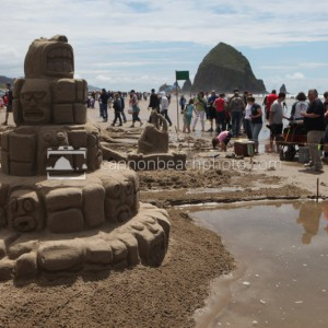 Sandcastle Day – Totem Pole Sculpture