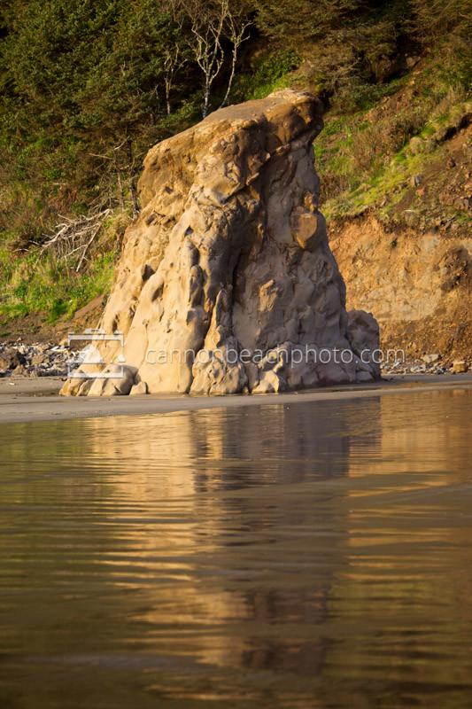 Seastack at Crescent Beach