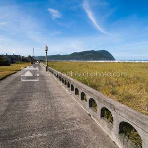 Sunny Day on the Promenade in Seaside, Oregon